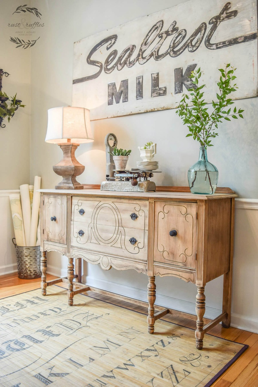 Eye-Catching Foyer Tables for Your Home